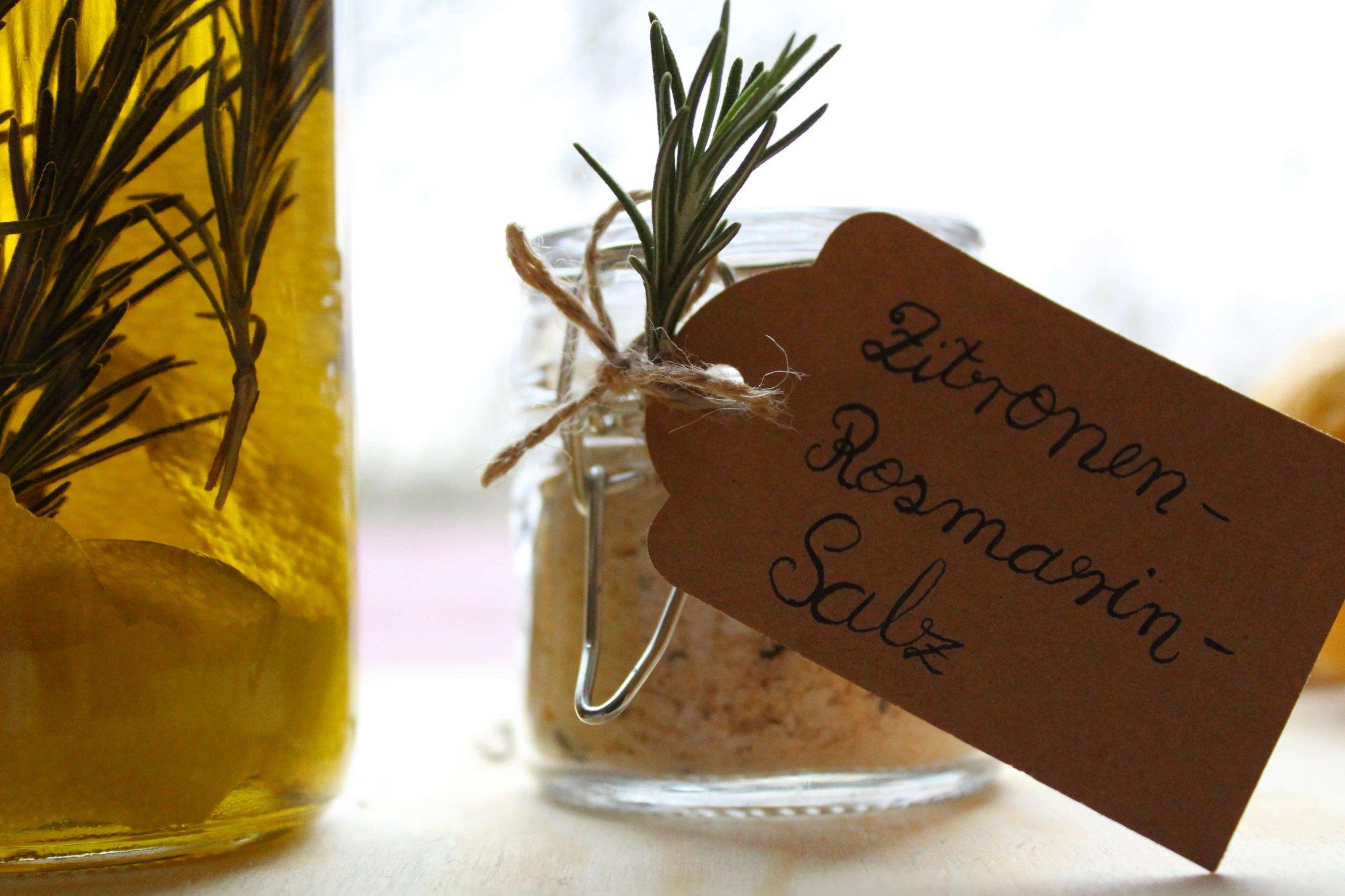 Zitronen-Rosmarin-Salz und Zitronen-Rosmarin-Öl selber machen