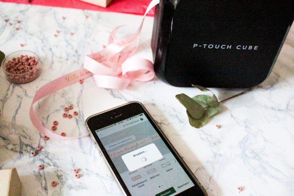 Armband für Trauzeugin und Brautjungfer mit Geschnkverpackunng mit Geschenkband von brother