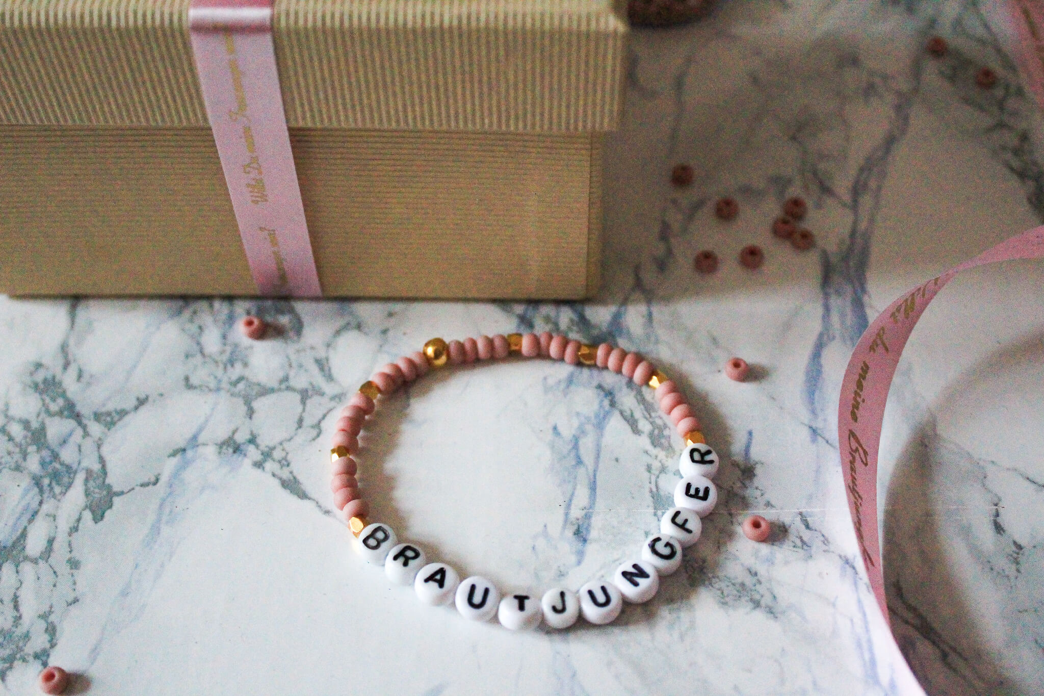 Armband für Trauzeugin und Brautjungfer mit Geschenkband von brother