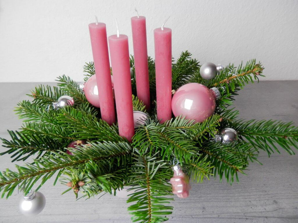 Adventskranz in Gugelhupfform in rosa selber machen Lady Bella
