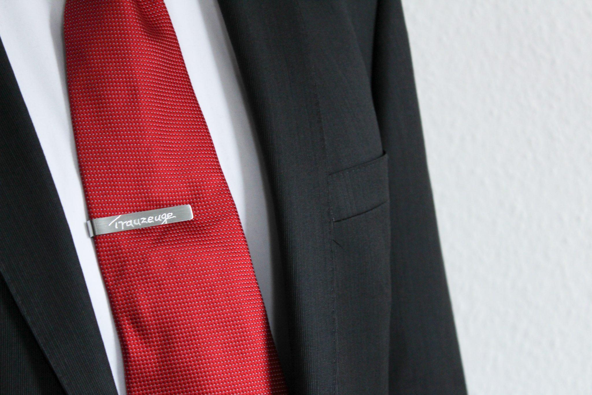 DIY Krawattenklammer für den Trauzeugen