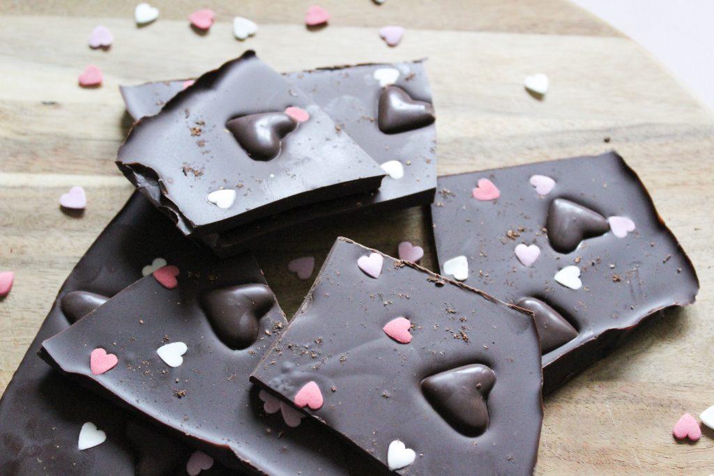 Schokolade selber machen als last minute Valentinstagsgeschenk