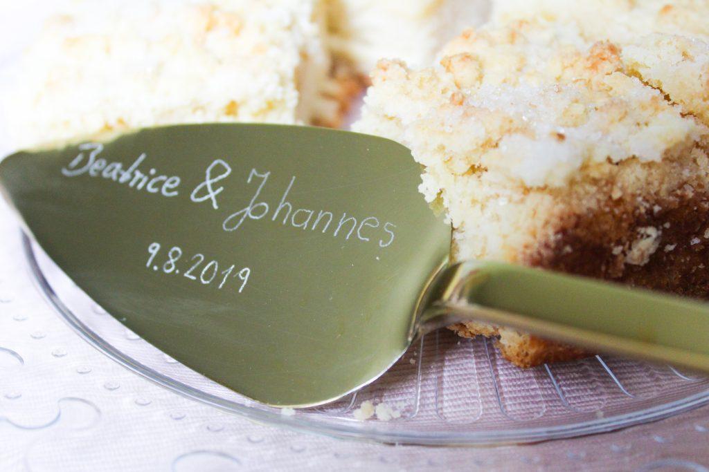 personalisierte DIY Tortenschaufel zur Hochzeit