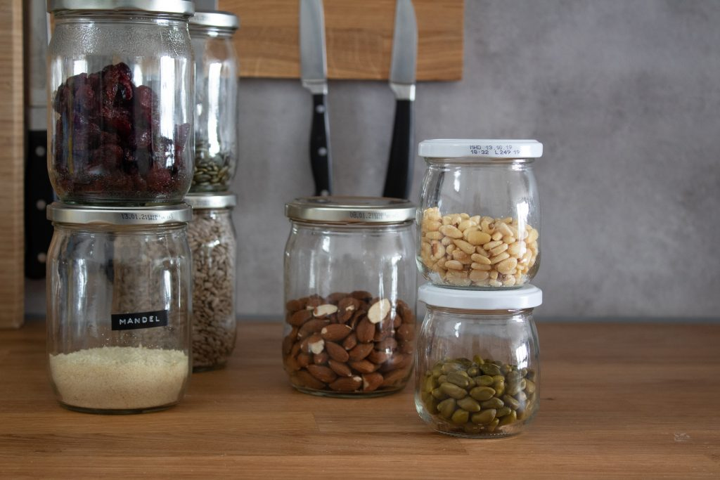 Küche organisieren mit DIY Hacks, Vorräte und Gefrierschrank