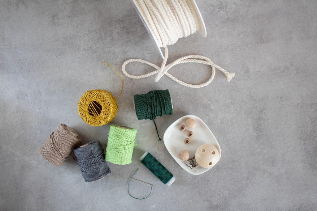 DIY Anleitung für eine Schnullerkette und Kinderwagenkette zum Selbermachen